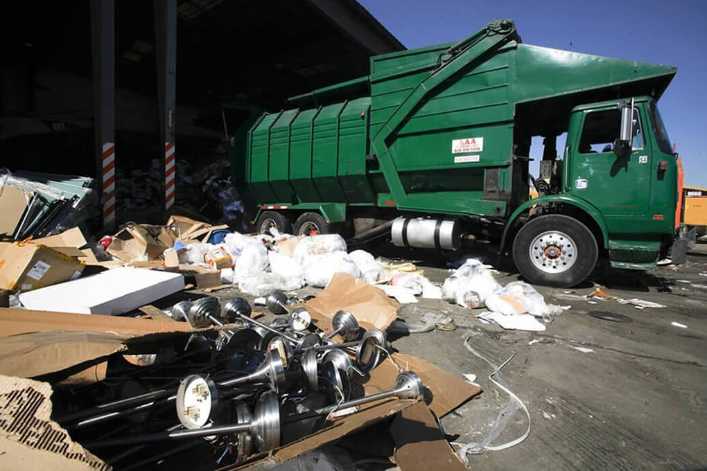 Trash Hauling-Beaumont Dumpster Rental & Junk Removal Services-We Offer Residential and Commercial Dumpster Removal Services, Portable Toilet Services, Dumpster Rentals, Bulk Trash, Demolition Removal, Junk Hauling, Rubbish Removal, Waste Containers, Debris Removal, 20 & 30 Yard Container Rentals, and much more!